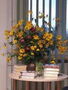 Zdjęcie kolorowe, bukiet jesiennych kwiatów